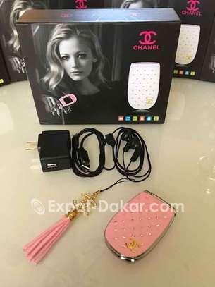 Téléphone miniature Chanel pour femme image 4