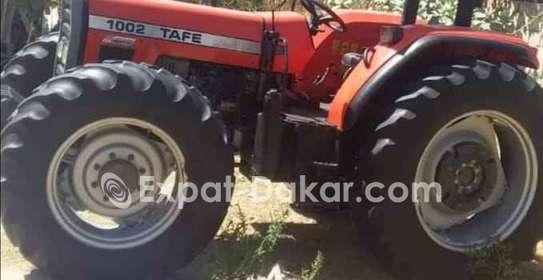 Tracteur agricole à louer image 4