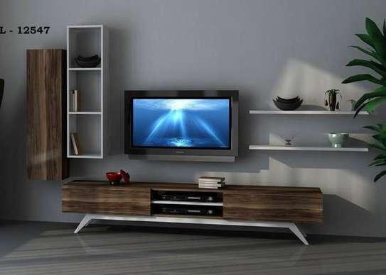 Table TV avec étagère murale image 8