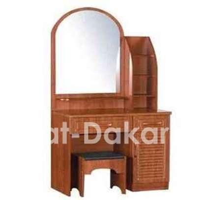 Coiffeuse en bois / 1 miroir + 2 tiroirs+ espace image 1