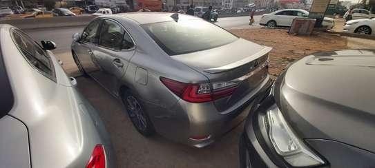 Lexus ES300h presque neuve 2019 full options image 2