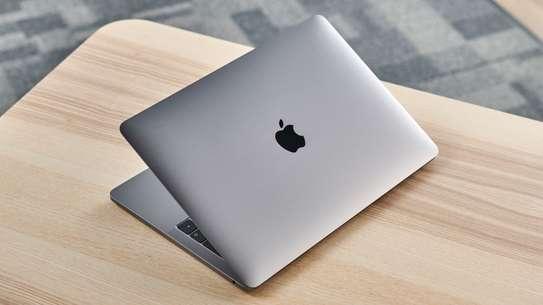 "MacBook Pro TouchBar - Core i5 - Disk 500GO SSD- Ram 8G0 - 13"" image 1"