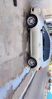 Toyota Auris image 1