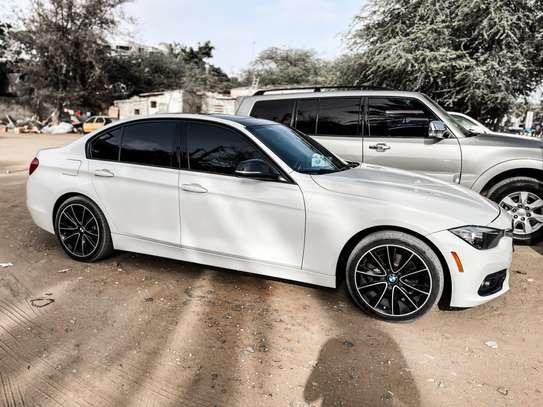 BMW 328i 2016 image 3
