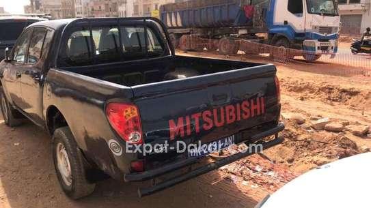 Mitsubishi L200 2012 image 1