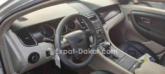 Ford Taurus 2012 image 4