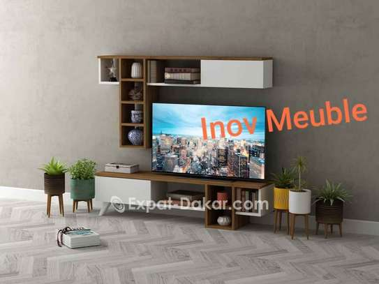 Table TV simple ou avec étagère murale image 2