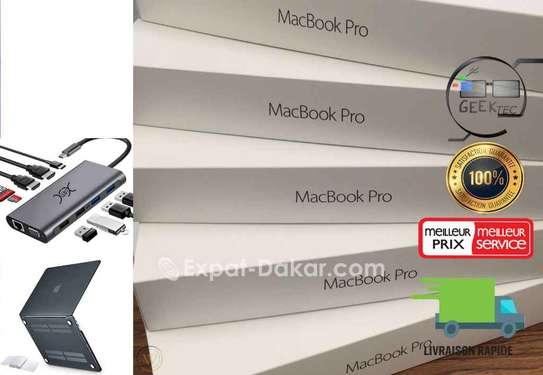 MacBook Pro 16 pouce 2020 et accessoires image 1