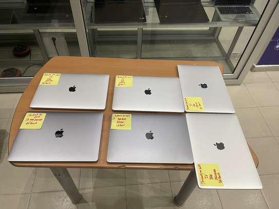 Promo MacBook Pro 2017 image 2