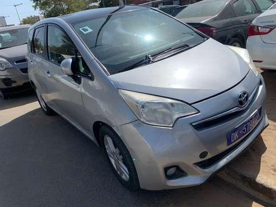 Toyota verso S image 3