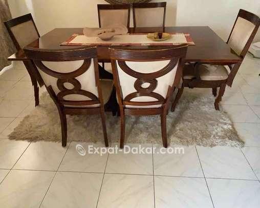 Table à manger 6 places + buffet image 1