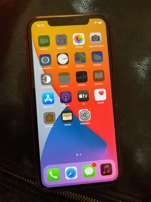 iPhone 11 Red Edition Deux Sim image 3