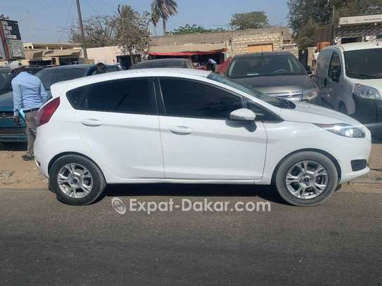 Ford Fiesta 2015 image 2