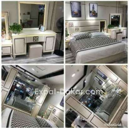 Chambre à coucher et mobilier de tout genre image 2