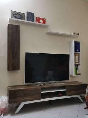 Table TV avec étagère mural image 4