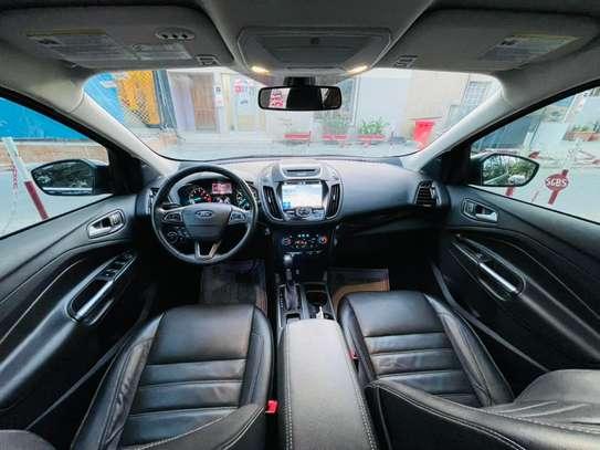 Ford Escape titanium 2017 venant à vendre by king cars image 9