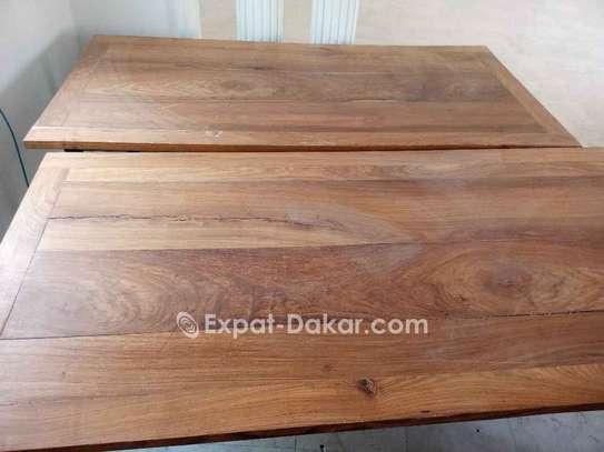 Table bois Djibouti de qualité image 3