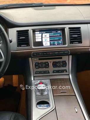 Jaguar Xf 2015 image 3
