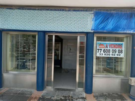 LOCAL COMMERCIAL A VENDRE A NGOR ALMADIE image 2