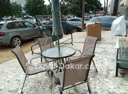 Table jardin ou terrasse avec 4 chaises image 2