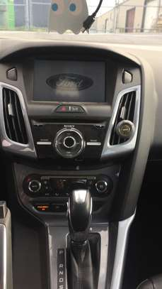 Ford Focus Titanium image 4