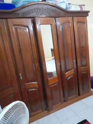 Chambre à coucher bois Djibouti image 2