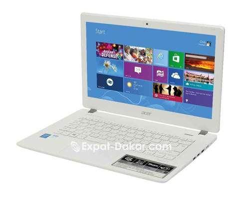 Acer Aspire V3 image 1