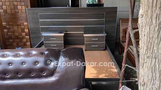 Chambre à coucher disponible image 3