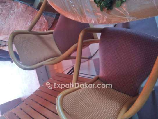 Chaise image 2