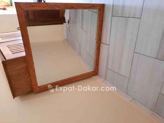 Armoire avec miroir image 1