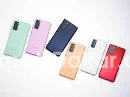 Samsung S20 FE image 3