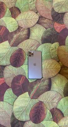 iPhone 11 pro max 64go image 1