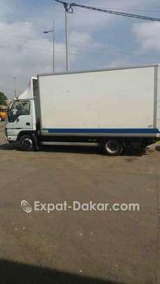Camion utilitaire  à louer image 4