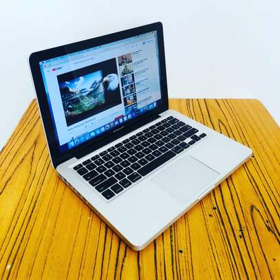 MacBook Pro core i7 image 2