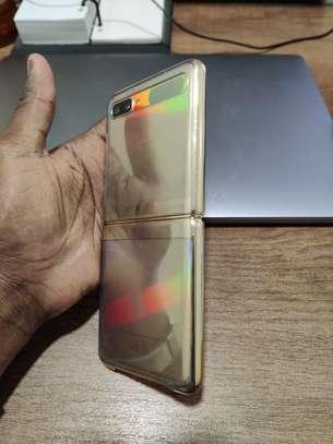 Samsung Galaxy Z FLIP À Vendre image 3