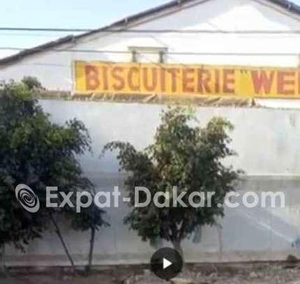 Ancienne Biscuiterie de 10 000m²  TF à vendre image 1