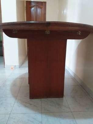 Table à manger + 4 chaises image 2