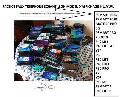 FACTICE FAUX TELEPHONE ECHANTILLON MODEL D'AFFICHAGE image 2