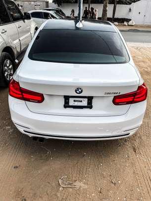 BMW 328i 2016 image 4