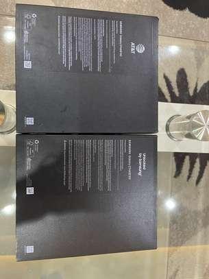 Samsung galaxy Z Fold 2 5G image 2