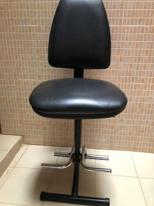 Chaise haute en cuir très confortable image 2