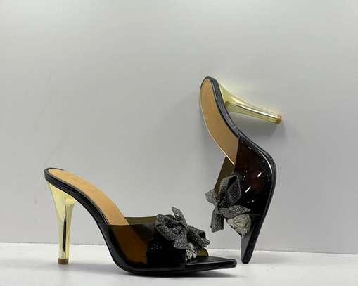 Ventes de chaussures femmes image 2