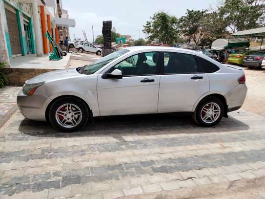 Ford Focus 2010 image 3