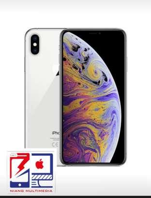 iPhone XS Max image 1