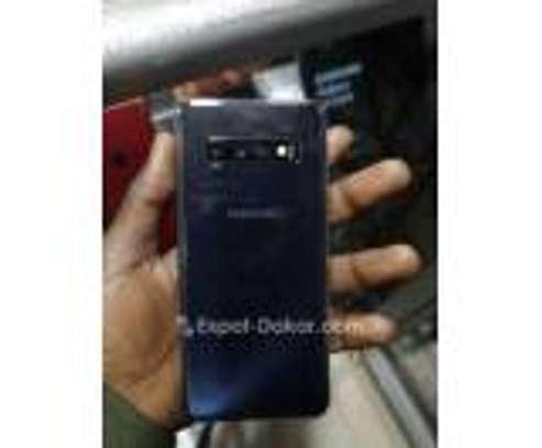 Samsung galaxy S10 simple image 3