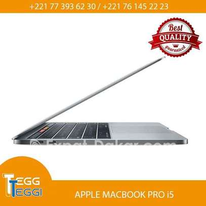 Mackbook pro i5 image 3