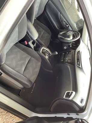 Nissan Rogue version 4x4 2014 image 8