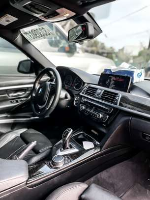 BMW 328i 2016 image 7
