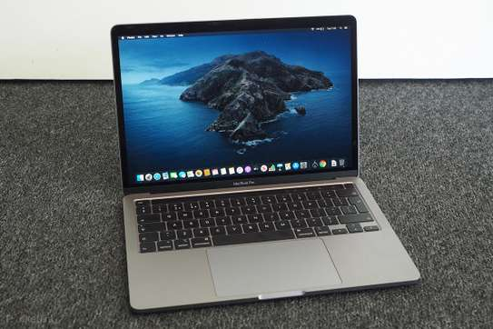 MacBook Pro 2018 touch bar. image 1