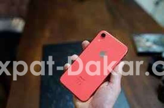IPHONE XR  ROUGE 46 GB NEW image 1